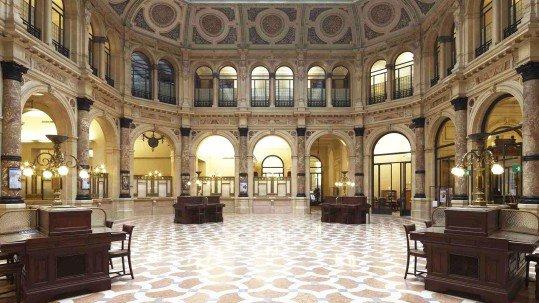Foto delle Gallerie d'Italia in Piazza della Scala a Milano